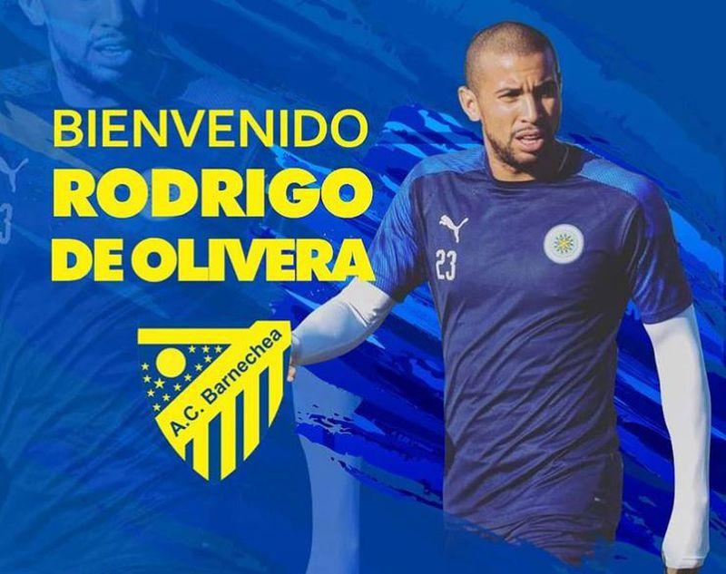 El anuncio de la llegada del delantero uruguayo Rodrigo de Olivera.