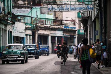 """Libre importación de alimentos y """"garantías procesales"""" para detenidos: las medidas con que Díaz-Canel busca apaciguar la crisis en Cuba"""
