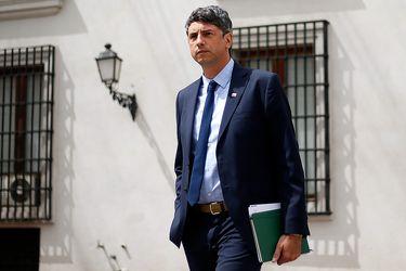 El ministro de Ciencia, Andrés Couve