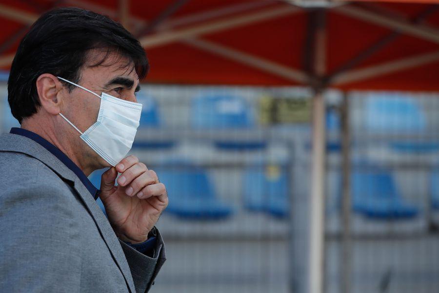 Las condiciones que pide el empoderado Gustavo Quinteros para renovar en Colo Colo - La Tercera