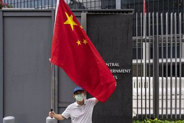 """Beijing cree que la relación con EE.UU. está estancada y le exige que deje de """"demonizar"""" a China"""