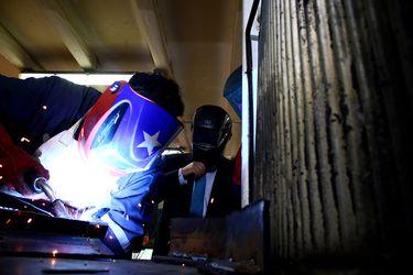 Producción Industrial cae 2,4% en enero debido al menor dinamismo en sectores manufacturero, servicios y minero
