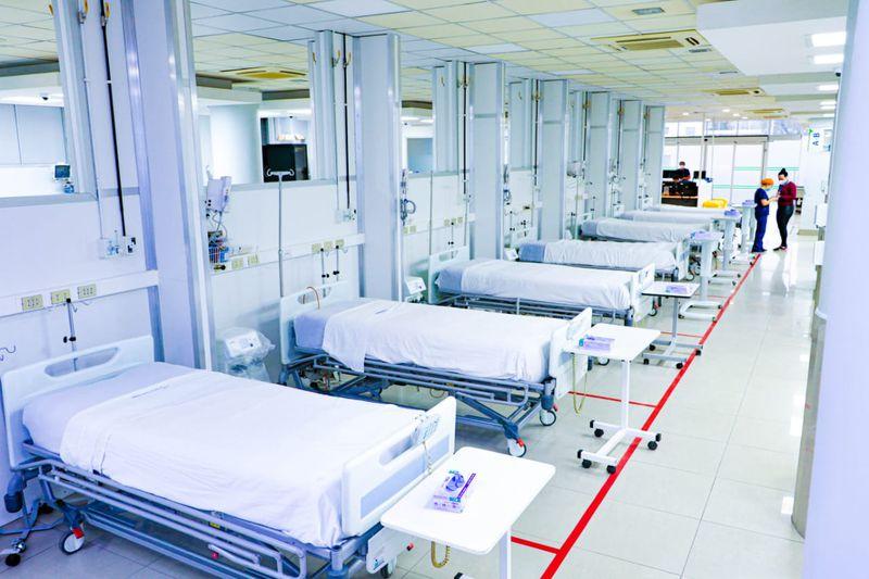 Nuevas camas críticas del Hospital Clínico de la Universidad de Chile.