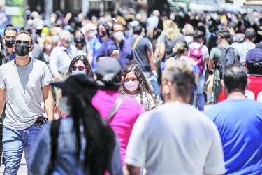 Informe Epidemiológico: Antofagasta, Puerto Montt e Iquique sobrepasan los mil casos activos y 207 comunas del país tienen una tasa de incidencia de activos sobre cien