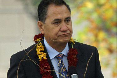 Alcalde de Isla de Pascua es detenido tras protagonizar riña con dirigente de comunidad local