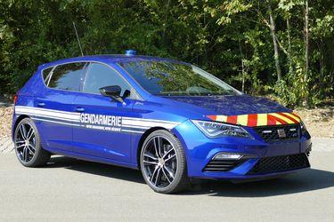 ¿Gana o pierde? La policía francesa liquida al Mégane RS para pasarse al Seat León Cupra