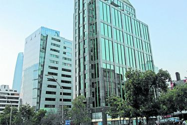 Imagen Fachada edificio Apoquindo 3000