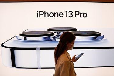 """Tras la modesta actualización del iPhone 13, Apple prepara un """"completo rediseño"""" para el iPhone 14 que se lanzará el próximo año"""
