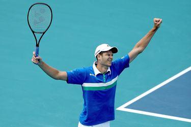 Hurkacz domina a Sinner y gana su primer Masters 1000 en Miami