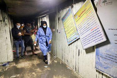 Incendio en hospital de Bagdad genera temores sobre nuevo estallido social