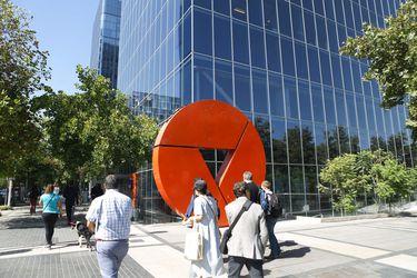 S&P vuelve a bajar nota de Corp Group Banking