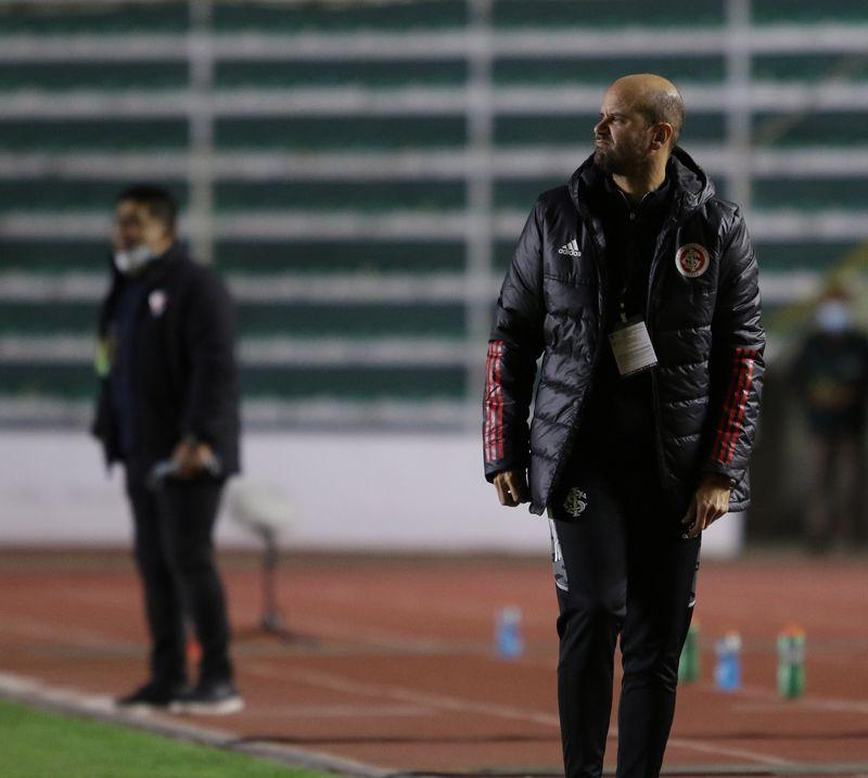 Miguel Ángel Ramírez analiza el estado anímico de Carlos Palacios en el Inter de Porto Alegre.