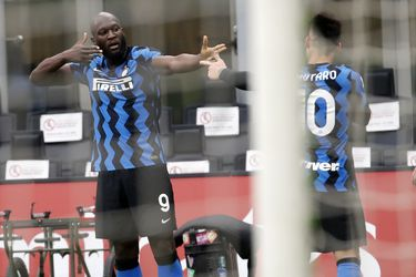 Lautaro y Lukaku aniquilan al Milan y el Inter se escapa en la cima del Calcio