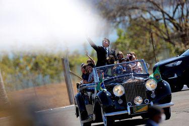 Bolsonaro encabeza ceremonia del Día de la Independencia de Brasil sin usar mascarilla pese a pandemia del coronavirus