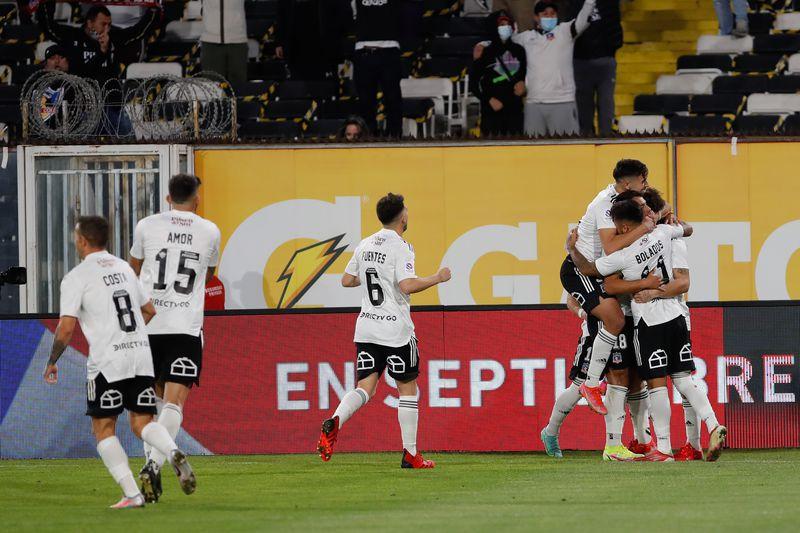 Colo Colo festejó un nuevo triunfo que lo consolida en el liderato.