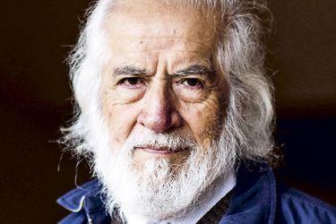 """Gabriel Salazar, Premio Nacional de Historia 2006:""""Veo en el gesto del gobierno un verdadero acto escapista"""""""
