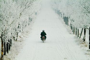 7 claves esenciales para cuidar la moto durante la época invernal