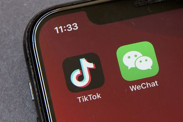 Trump ahora aprueba al trato de TikTok mientras un juez bloqueó la prohibición en contra de WeChat
