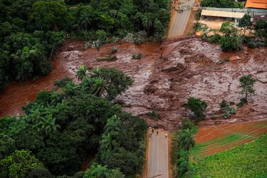 Brasil: Al menos cinco personas detenidas por tragedia minera en Minas Gerais