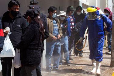 Bolivia detecta casos de variante británica de Covid-19 y busca pistas de la brasileña
