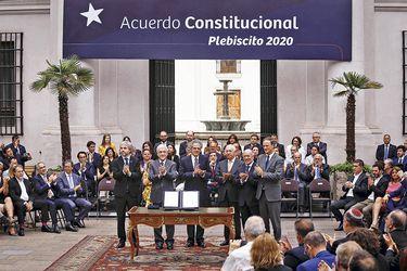 Diario Oficial publica proyecto de reforma constitucional y Servel informa que plazo para cambiar de domicilio electoral vence el jueves