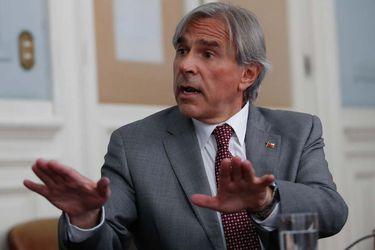 """Senador Moreira (UDI): """"Votaré a favor del retiro de los fondos de las AFP"""""""