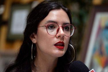 """Camila Vallejo (PC) rechaza """"funa"""" a Beatriz Sánchez en Plaza Italia: """"Así no podremos avanzar"""""""