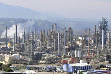 CDE presenta querella contra funcionarios de Enap por episodios de contaminación en Quintero y Talcahuano