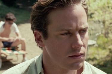 Armie Hammer abandonó su próxima película por filtración de mensajes sexuales sobre fetiches y canibalismo