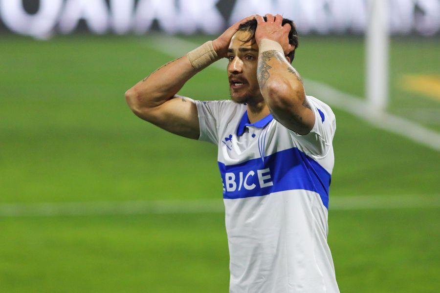 Fernando Zampedri lleva más de seis partidos sin anotar un gol en Universidad Católica.