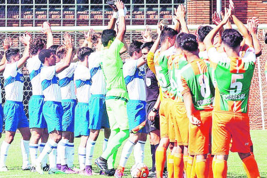 Radiografía del acoso: El silencioso drama que golpea a las divisiones inferiores del fútbol chileno - La Tercera