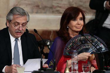 Cristina Kirchner expresa duras críticas a gestión del presidente Fernández y pide cambio de gabinete
