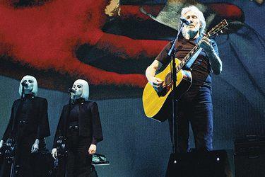 Us + Them: el show más político de Roger Waters