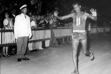 Bikila y otros momentos increíbles en la historia del deporte