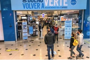 """Cencosud vs. Sernac: Paris lo acusa de """"inflar de manera alevosa"""" demanda colectiva por fallas en ventas online en pandemia"""