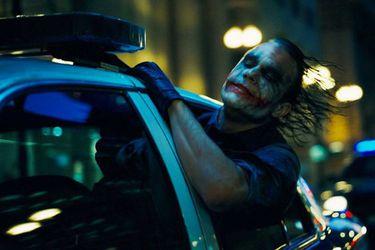 El homenaje del Joker de Joaquin Phoenix al de Heath Ledger