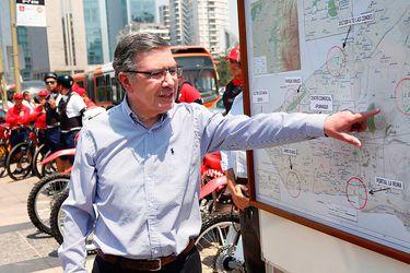 Lavín, el único que flota en la CEP: El lío en Chile Vamos por su participación en la franja
