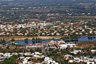 La periferia gana terreno en la venta de casas. Colina y Lampa lideran, pero crece fuerte San Bernardo y La Florida