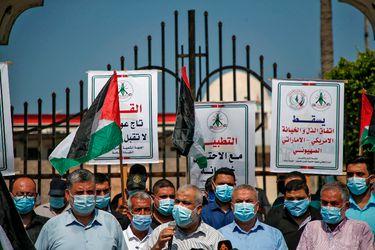 Palestinos se manifiestan contra acuerdos de normalización diplomaticas de EAU y Bahrein con Israel
