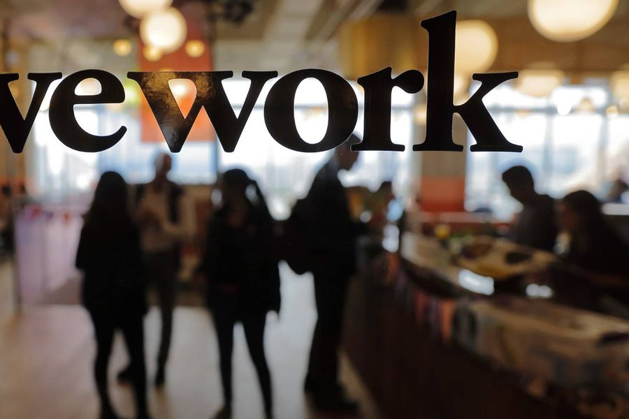 WeWork pasó de ser una empresa valorizada en US$47 mil millones a estar no muy lejos de la quiebra.