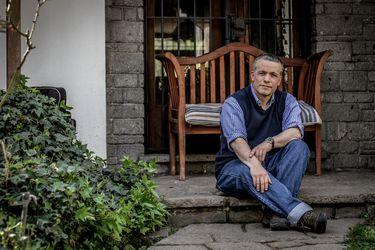"""Óscar Landerretche: """"Si la élite empresarial  demoniza el proceso constitucional, se va a estar disparando en los pies"""""""
