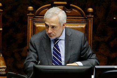 Fiscalía Sur abre de oficio investigación contra secretario del Senado por cita en restaurante de San Miguel en plena cuarentena