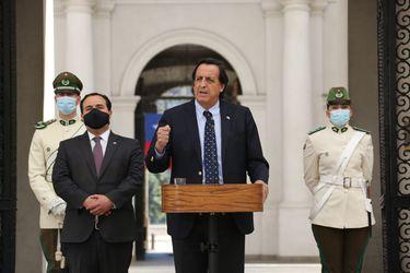 """Ministro Pérez y general director de Carabineros viajan a La Araucanía tras muerte de uniformado: gobierno pide que """"no exista nadie que no condene este hecho brutal"""""""
