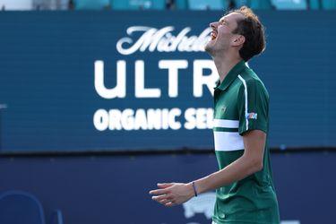 La sufrida victoria de Medvedev marca el día en el Miami Open
