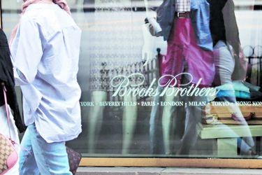 Brooks Brothers, herido por los viernes casuales y coronavirus, se declara en quiebra