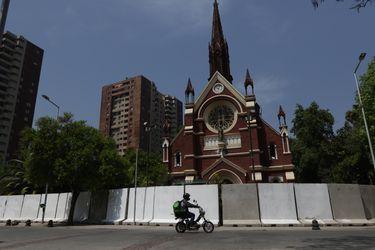 Columna de Iván Poduje: Alerta Santiago