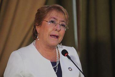 Bachelet ratifica envío de nueva Constitución y defiende decisión de Dominga e HidroAysén