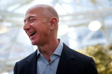 Ventas de Amazon se disparan y el gigante del comercio electrónico se consolida como uno de los grandes beneficiados por los confinamientos