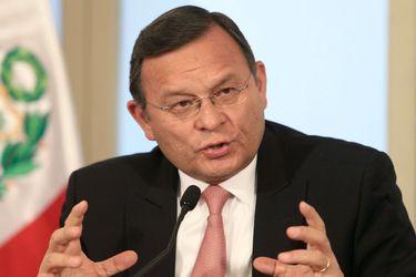 El ministro peruano de(24415388)