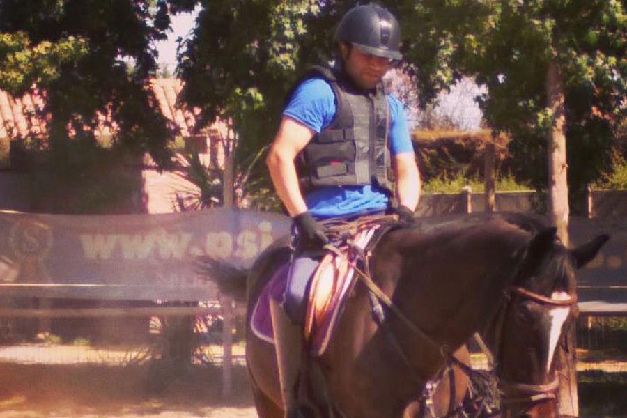 Cristóbal Cádiz, un parapléjico a caballo.